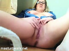 Squirting orgasm of Chubby Milf Ava