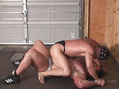Monster Muscle Wrestling
