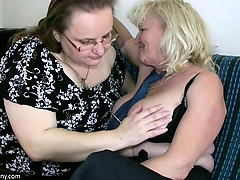 Granny with big boobs masturbate